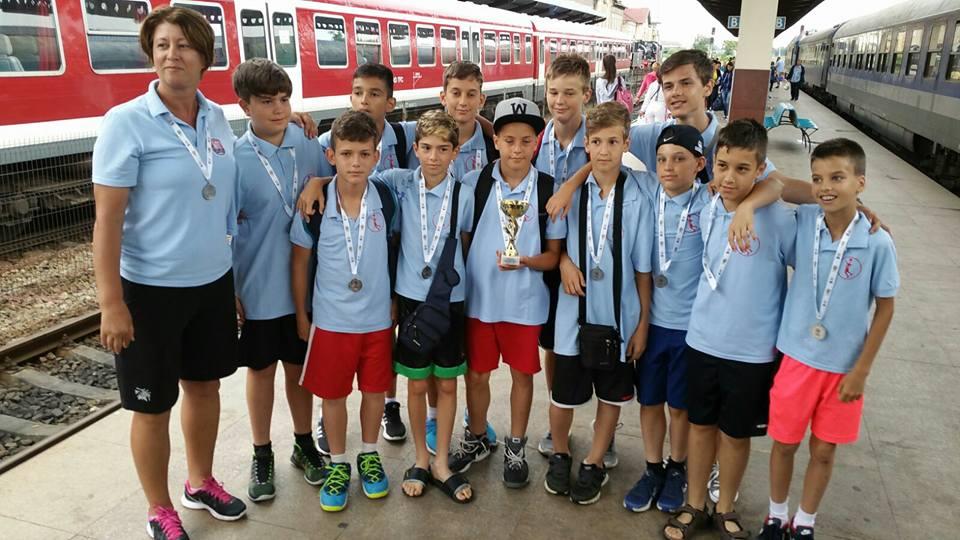 Componenții vicecampioanei României la minibaschet 2016